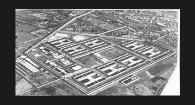 Nekoliko H-blokova u okviru zatvora Maze u Belfastu. Priča se da imaju dobar tretman mršavljenja.