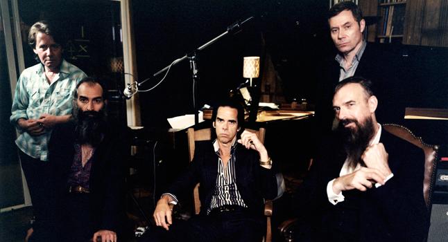 The Bad Seeds danas: Martyn P. Casey, Warren Ellis, Nick Cave, JIm Sclavunos i Thomas Wydler. Nedostaje klavijaturist Conway Savage čiji je status u The Bad Seedsima već nekoliko godina dvojben, te povratnik iz 'pionirskih' dana, Barry Adamson.