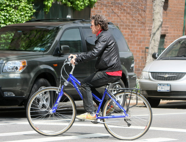 Lou+Reed+Taking+Bike+Ride+Wild+Side+jkbdSmcPKp5l