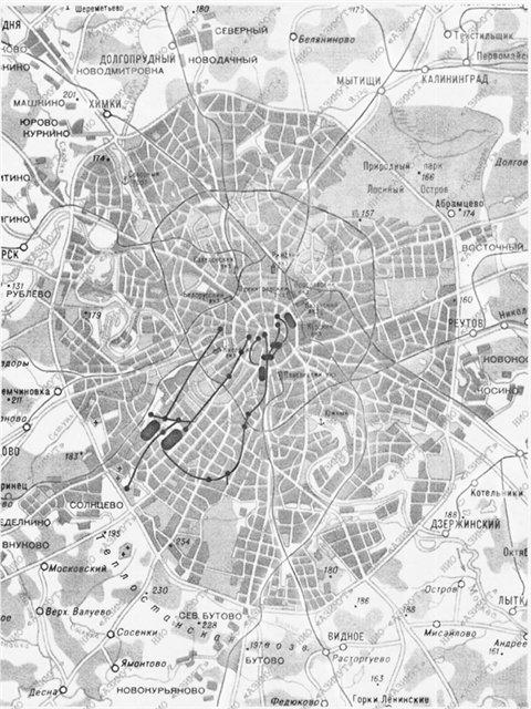 Mapa nešto niže rezolucije, preuzeta sa jednog ruskog portala prikazuje dodatne poveznice među podzemnim objektima na širem području Moskve.