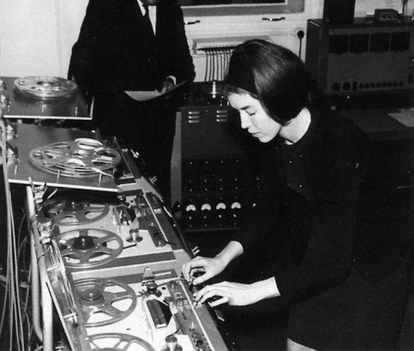 Delia Derbyshire na montaži u sobi broj 12 u Radiophonic Workshopu. (Foto: BBC)