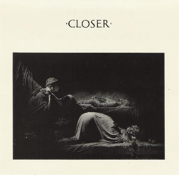 Kultni album 'Closer' Joy Divisiona, koji inače odnosi prevagu u kategoriji javnosti poznatijih 'mračnih' albuma NME smješta na mizerno 22. mjesto, pretpostavljajući ga Kaye Westu ili Manic Street Preachersima!