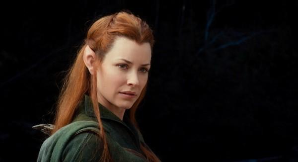Lik vilenjakinje Tauriel (Evangeline Lilly) se ne javlja u izvornom Tolkienovom konceptu, a kako će fanovi velikog pisca doživjeti ovaj Jacksonov pomalo samovoljni scenaristički upliv, ostaje nam vidjeti.