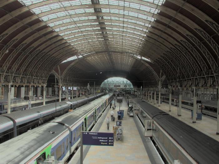 3238_3_Paddington_Station_c_2000