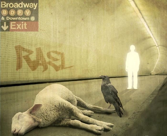 3_Genesis-Rael-the-Lamb_copertina-interna-di-The-Lamb-Lies-Down-on-Broadway-1974