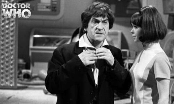 Hartnella je naslijedio glumac Patrick Throughton. U njegovoj je izvedbi Doctor prikazan kao svemirski lutalica, s pomalo čudnim smislom za humor i običajem sviranja frule u svrhu koncentriranja. Također, prvi koristi ime John Smith, kao i čuveni zvučni odvijač (Sonic Screwdriver). Ova će Doctorova inkarnacija skončati odlukom Time Lordova, koji ga zbog uplitanja u tijekove povijesti kažnjavaju simboličkim progonom na Zemlju.