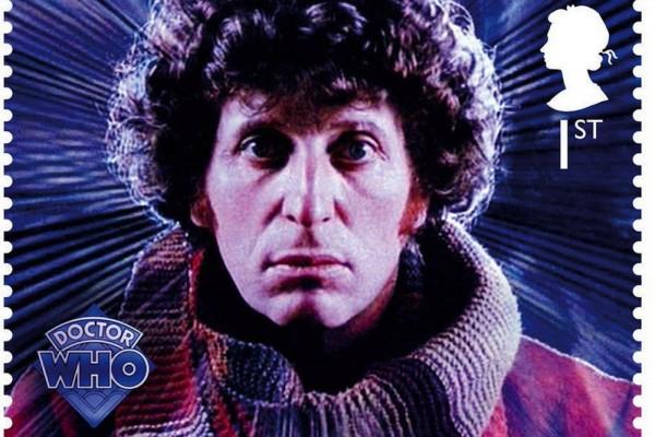 Većina izvornih fanova pojam Doctora povezuje upravo s uprizorenjem Toma Bakera, i to ne samo zbog zasad nadužeg staža (1974. – 1981.), već i njegove specifične osobnosti. Odjeven u obavezni kaput i šešir, s šalom dugim četiri metra, odavao je boemsku pojavu iza koje se krio mistični i pomalo cinični vanzemaljac, u mislima miljama udaljen od svojih ljudskih suputnika. Četvrti će Doctorov život skončati u antologijskoj borbi s vječnim neprijateljem Masterom, pri padu sa stubišta radio teleskopa.
