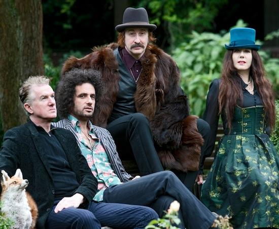 The Ministry of Wolves: Mick Harvey, Paul Wallfisch, Alexander Hacke i Danielle di Picciotto