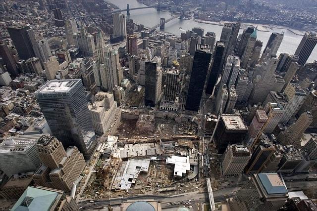 Nesretni 'Ground Zero', poprište najvećeg terorističkog pokolja u povijesti zauzima jugozapadni dio samog dna Manhattana, no njegova je revitalizacija i ponovno uklapanje u poslovni život grada tek pitanje nadolazećih mjeseci