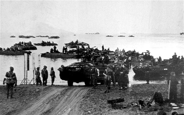 Iskrcavanje američkih i britanskih snaga na obali Tirenskog mora kod Anzia, siječanj 1944.