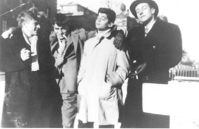 Hal Chase, Jack Kerouac, Allen Ginsberg i William S. Burroughs, Columbia Universitiy, NYC 1946.