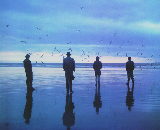 Echo & the Bunnymen: set sail through these turquise days...