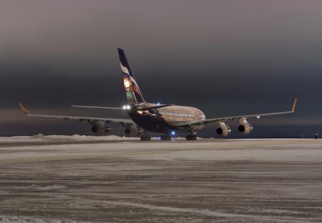 Winter.Night.Il-96_(3344453311)