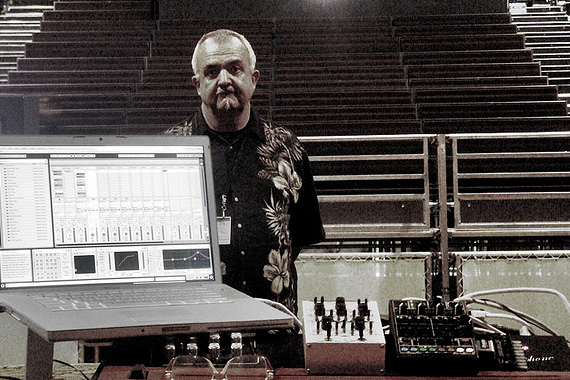 Peter_Sleazy_Christopherson_With_Live_Gear