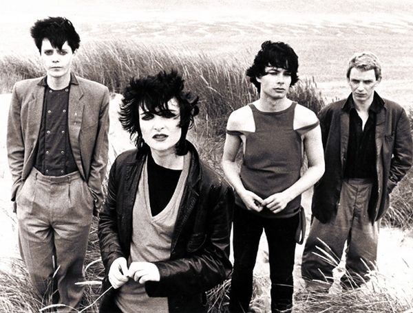 Siouxsie and the Banshees tijekom rada na albumu 'Join Hands': Kenny Morris, Siouxsie Sioux, John McKay i Steven Severin