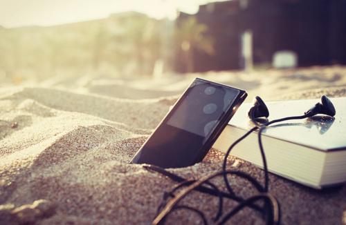 beautiful-book-chill-ipod-music-Favim.com-118118